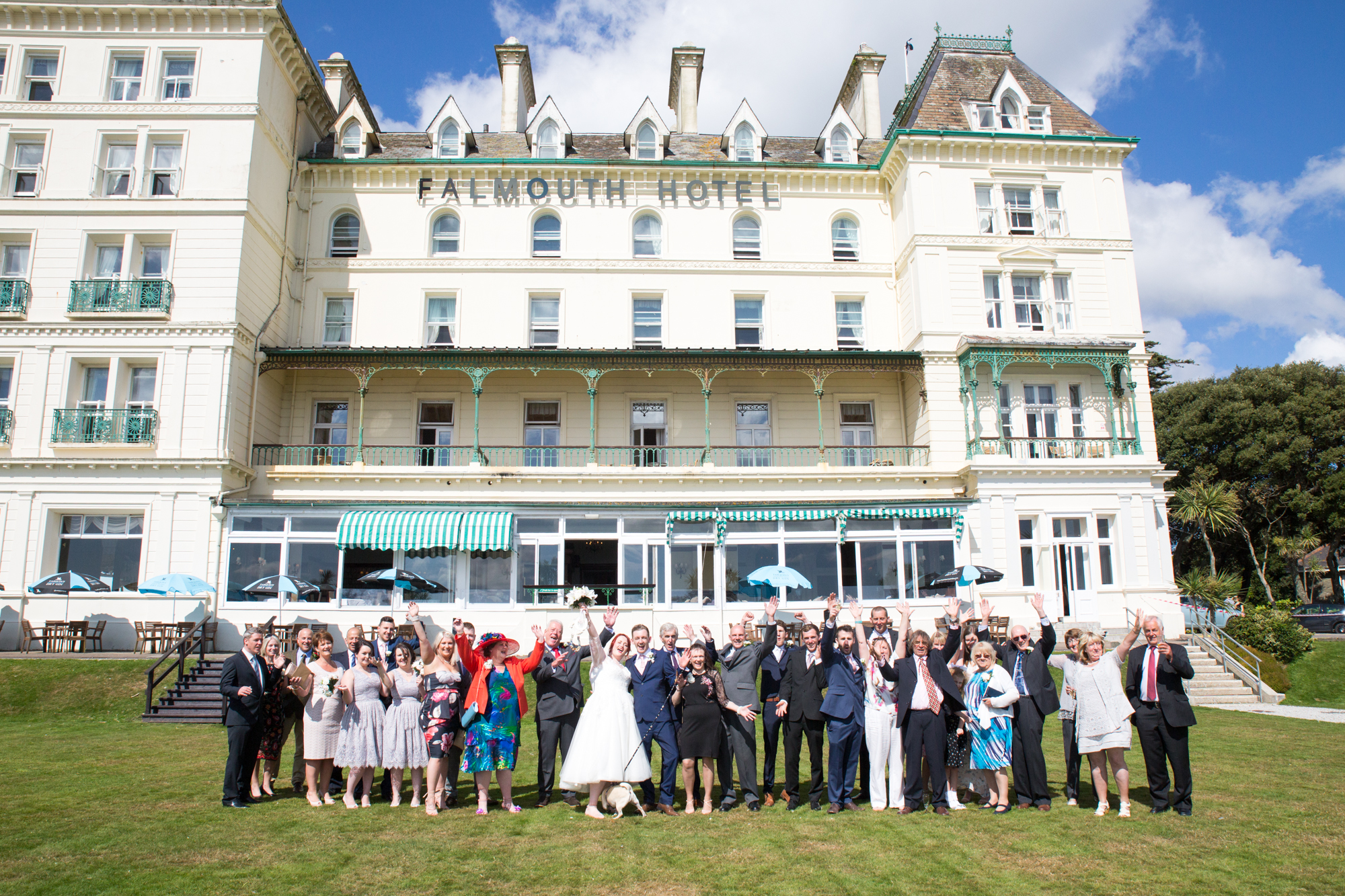 Falmouth hotel wedding by Tom Robinson photography Cornwall wedding photographer